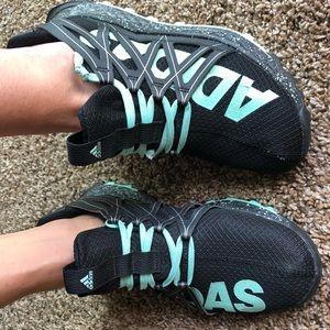 Adidas zapatos vigor bounceonly usado para un HR demasiado pequeño poshmark